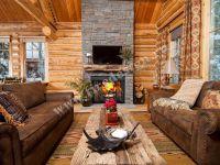 Дровяной камин в деревянном доме